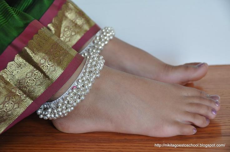 PROTECTION AGAINST SWELLING OF THE HEELS-ManglamJewellers